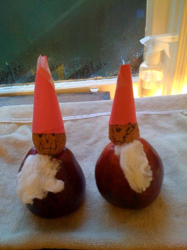 Apple santa men
